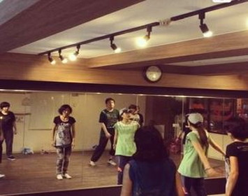 movement dance school 下高井戸校